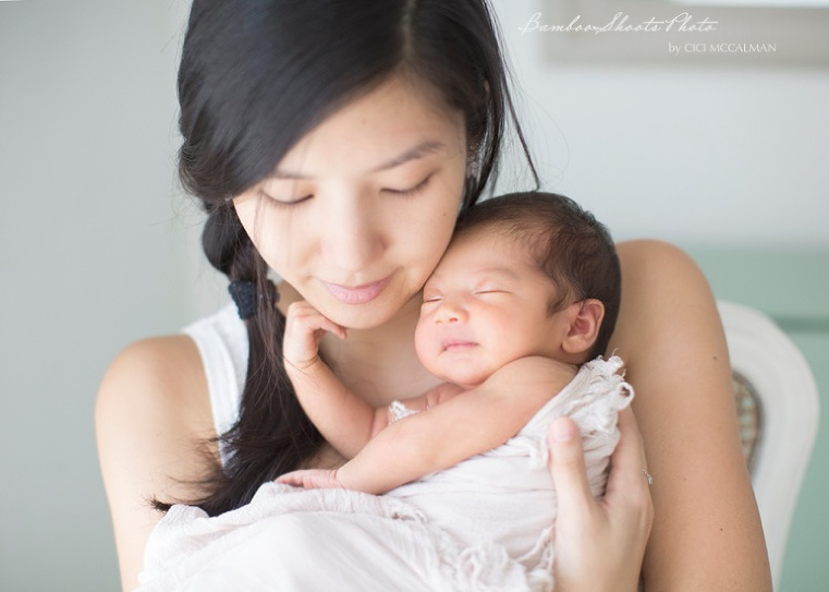 Newborn Photography is featured on the blog www.bambooshoots.com.sg/blog/