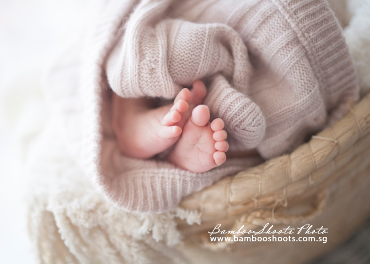 Maternity Newborn Photography, singapore, pregnancy, newborn baby singapore, singapore photo studio, singapore photographer, sg baby, sg parents, singapore pregnancy guide, singapore pregnancy photographs, maternity photography ideas, newborn photography idea, singapore maternity dress, singapore maternity style, singapore pregnancy style